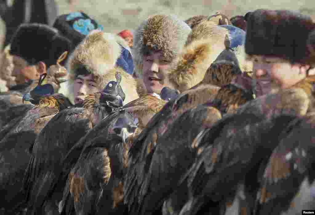 Традиции охоты с ловчими птицами существуют несколько сотен лет. Кусбеги передают секреты своего дела из поколения в поколение.