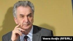 Šarović: Problem je potpuno savladiv za našu administraciju