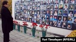 Иосиф Кобзон на церемонии памяти жертв теракта на Дубровке, 26 октября 2011