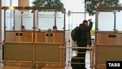 Мәскеудің Домодедово әуежайындағы паспорт тексеретін орын. (Көрнекі сурет)