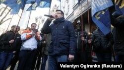 Киевдегиги коррупцияга каршы акциянын катышуучулары. 27-февраль, 2019-жыл.