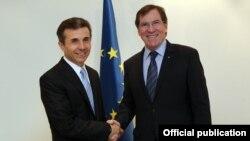 Грузискиот премиер Бидзина Иванишвили и претседателот на ПССЕ Жан Клод Мињон