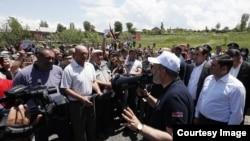 Никол Пашинян выступает на встрече с избирателями в Ширакской области Армении, 9 июня 2021 г.
