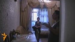 Yataqxanada yaşayan neftçilər