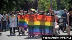 Pamje nga parada e mbajtur sot në Beograd