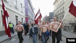 Латышские радикалы протестуют против «сдачи» Абрене сеймом