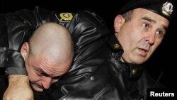Полицијата го апси Удалтсов