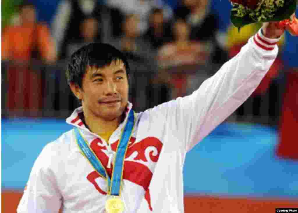 Борец Данияр Кобонов - капитан национальной олимпийской команды Кыргызстана