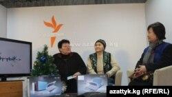 Сынактын жеңүүчүлөрү Валентина Житенова, Бүбүсара Калыкова жана Топчугүл Шайдуллаева. Бишкек, 27.12.2011