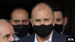 Бугарскиот претседател Румен Радев треба да го свика Собранието