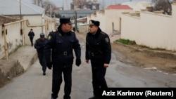 Ադրբեջան - Ոստիկանները պարեկություն են իրականացնում դեպքի վայրի մոտակայքում, Բաքու, 2-ը մարտի, 2018թ․