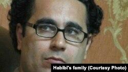 محمد حبیبی، عضو هیئت مدیره کانون صنفی معلمان، به هفت سال و نیم زندان محکوم شده است