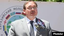 Armenia - Russian Ambassador Ivan Volynkin addresses a Eurasian youth forum in Tsaghkadzor, 11Jun2014.