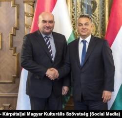 Угорський прем'єр Орбан (праворуч) зустрічався з кандидатом в депутати Верховної Ради від Закарпаття Брензовичем (праворуч) в Будапешті в 2019-му