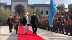 پاکستان په افغانستان کې د تاوتریخوالي کمولو هڅه کوي: عمران خان