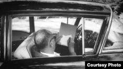 """Владимир Набоков пишет """"Лолиту"""", 1958"""