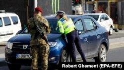 Poliția și militarii controlează respectarea măsurilor de prevenire a extinderii epidemiei