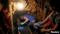 Rudari u rudniku