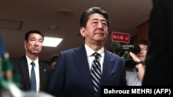 Синдзо Абэ в штаб квартире Либерально-демократической партии в Токио, 22 октября 2017