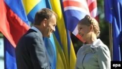 Премьер-министры Польши и Украины Дональд Туск и Юлия Тимошенко на церемонии, посвященной 70-летию начала Второй мировой войны, в Гданьске