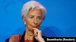 Шефот на Меѓународниот монетарен фонд, Кристин Лагард
