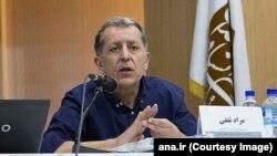 مراد ثقفی، مدیر مسئول مجله گفتگو، روز چهارشنبه در خانهاش بازداشت شد.