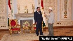 Бозор Собир бо раисиҷумҳур Эмомалӣ Раҳмон