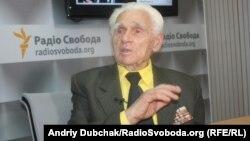 Выживший в годы Голодомора Павло Михайлович Рожко в украинской студии Азаттыка. Киев, 29 октября 2013 года.
