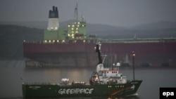 Судно Arctic Sunrise покидає Мурманськ, 1 серпня 2014