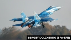 Український винищувач СУ-27 під час багатонаціональних навчань «Чисте небо-2018»