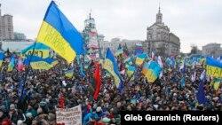 Пратэст на Майдане незалежнасьці, Кіеў, 8 сьнежня 2013 году.
