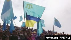 Ukraine/Crimea -- Crimean Tatars conquered Chater-Dag, 10May,2014