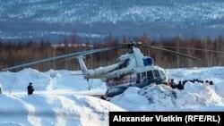 Вертоліт, що вилетів на місце аварії