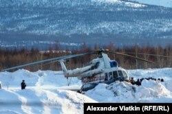 Вертоліт, що вилетів на місце аварії, був змушений повертатися для дозаправки