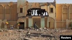 Մալի - Իսլամիստների կողմից որպես հենակետ օգտագործված եւ ավերակի վերածված մաքսատուն երկրի շրջաններից մեկում, փետրվար, 2013թ.