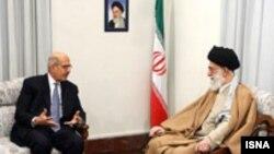 محمد البرادعی، مديرکل آژانس بين المللی اتمی، روز شنبه، در ديدار با علی خامنه ای رهبر جمهوری اسلامی دیدار کرد.