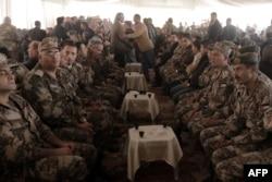 Высшие офицеры армии Иордании на траурной церемонии памяти летчика Мааза аль-Касэсбеха. 4 февраля