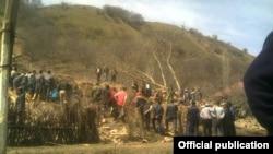 Өзгөндөгү Шамал-Терек айылындагы Ындабай участкасында 14-апрель күнү түнкү саат 12лер чамасында көчкү жүрүп, бир үйдү басып калган.