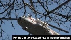 В лесу на окраине Смоленского аэропорта, 11 апреля 2010