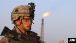 مقامات نظامی آمريکايی در بغداد، روز دوشنبه، ۲۶ نوامبر، دولت ايران را متهم کردند که به حمايت از شبه نظاميان شيعه در عراق ادامه می دهد.