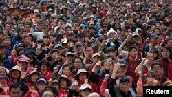 Jake konzervativne snage pokušavaju da se ponovo grupišu posle korupcionaškog skandala zbog koga je u martu smenjena predsednica Park Geu-hje