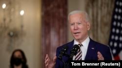 АКШ президенти Жо Байден Мамлекеттик департаменттин кызматкерлеринин алдында чыгып сүйлөөдө. Вашингтон. 2021-жылдын 4-февралы.