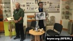 Тимур Пулатов с картиной Рамиза Нетовкина
