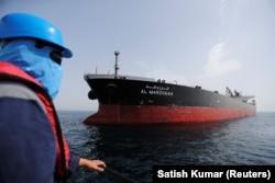 Як киштии нафткаши Арабистони Саудӣ, ки дар Бандари Фуҷайра мавриди ҳамла қарор гирифт.