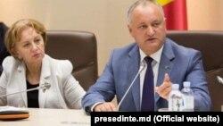 Лидер ПСРМ и спикер парламента Зинаида Гречаная и президент Республики Молдова Игорь Додон