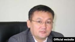 Мамлекеттик мүлк министрлигинин статс-катчысы Сүйөркул Бакиров.