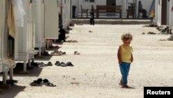 طفلة سورية في مخيم مراجيب الفهود قرب الزرقاء في الاردن