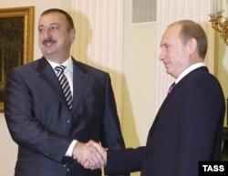 Ильхам Алиев (слева) и Путин, Москва, 9 ноября 2006