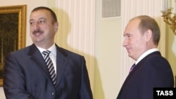 Ильхам Алиев (слева) и Владимир Путин, Москва, 9 ноября 2006