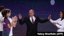 Путин на форуме волонтеров